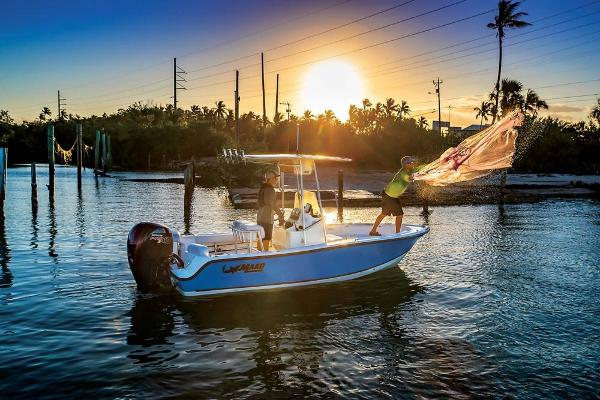 2020 Mako boat for sale, model of the boat is 184 CC & Image # 3 of 9