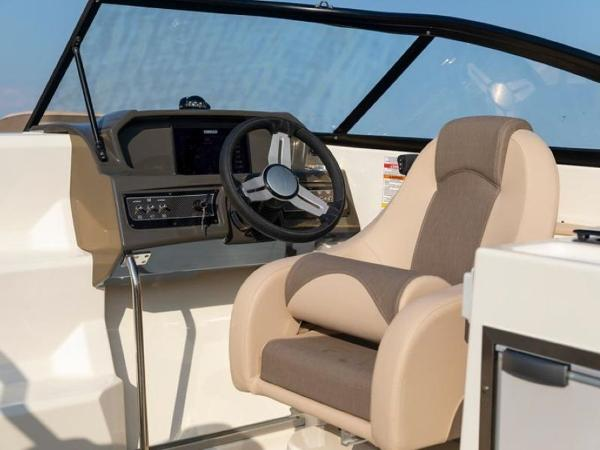 2020 Bayliner boat for sale, model of the boat is VR6 Cuddy & Image # 3 of 54