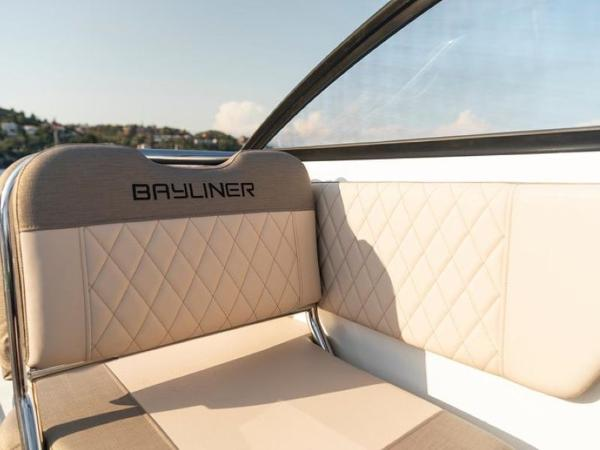 2020 Bayliner boat for sale, model of the boat is VR6 Cuddy & Image # 20 of 54
