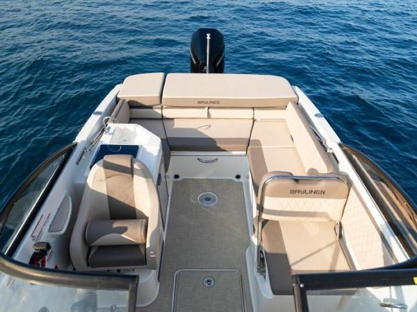 2020 Bayliner boat for sale, model of the boat is VR6 Cuddy & Image # 27 of 54