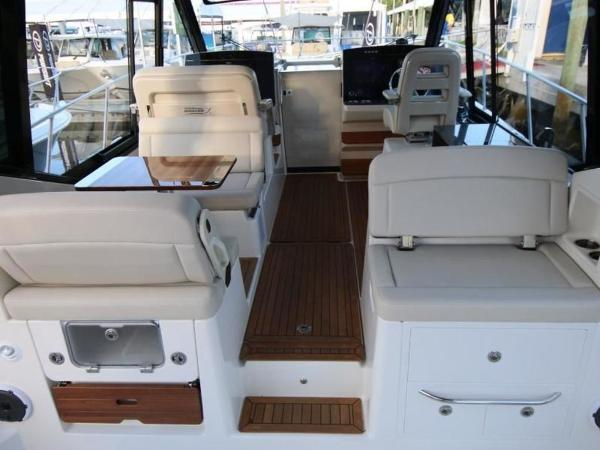 2020 Boston Whaler boat for sale, model of the boat is 405 Conquest & Image # 7 of 62