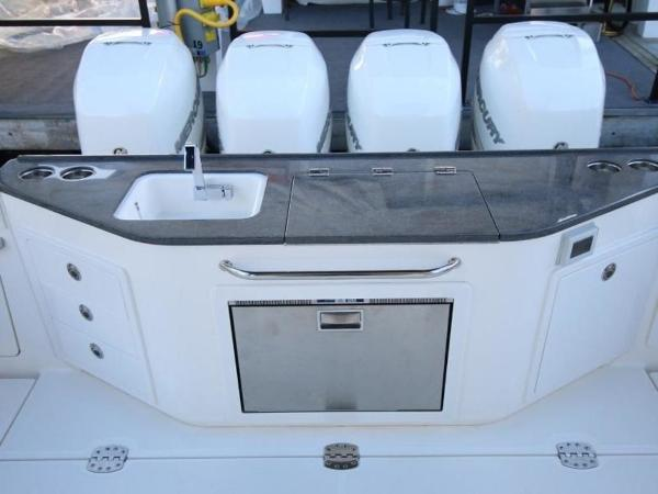 2020 Boston Whaler boat for sale, model of the boat is 405 Conquest & Image # 18 of 62