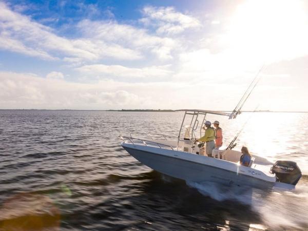 2020 Bayliner boat for sale, model of the boat is T21Bay & Image # 3 of 42