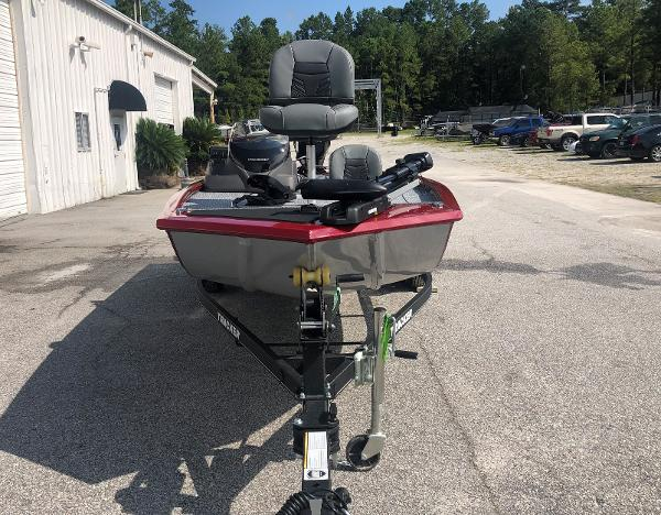 2021 Tracker Boats boat for sale, model of the boat is Pro 170 & Image # 6 of 27