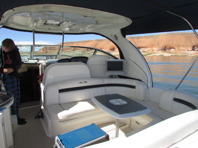 2006 Sea Ray boat for sale, model of the boat is 40 Sundancer & Image # 12 of 35