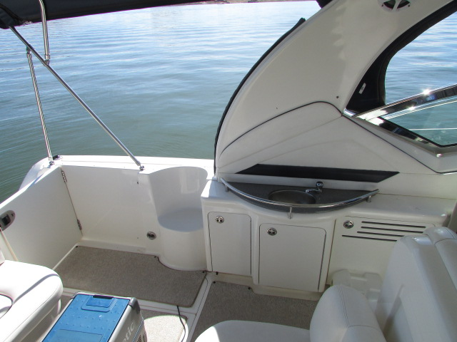 2006 Sea Ray boat for sale, model of the boat is 40 Sundancer & Image # 17 of 35