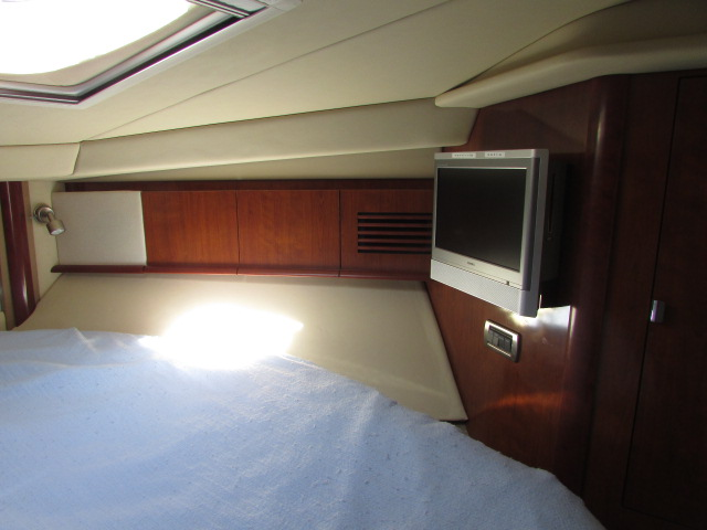 2006 Sea Ray boat for sale, model of the boat is 40 Sundancer & Image # 24 of 35