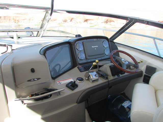 2006 Sea Ray boat for sale, model of the boat is 40 Sundancer & Image # 26 of 35