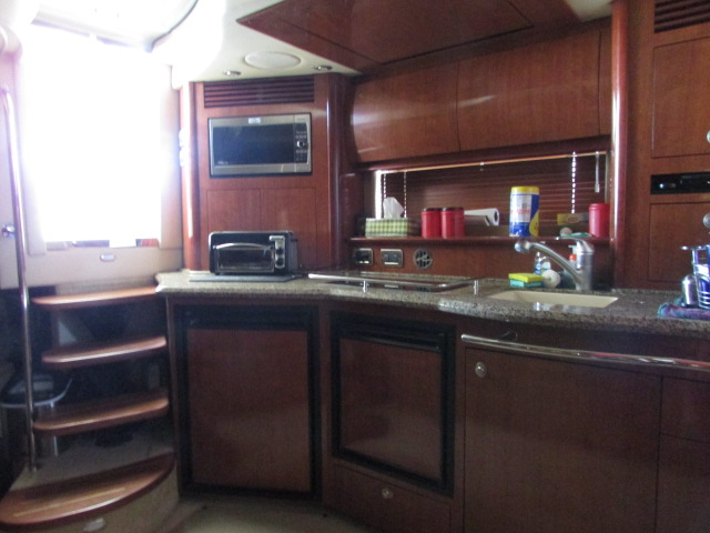 2006 Sea Ray boat for sale, model of the boat is 40 Sundancer & Image # 6 of 35