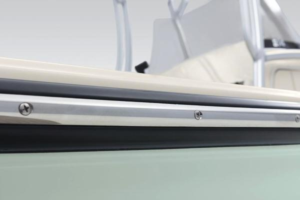 2020 Mako boat for sale, model of the boat is 214 CC & Image # 19 of 64