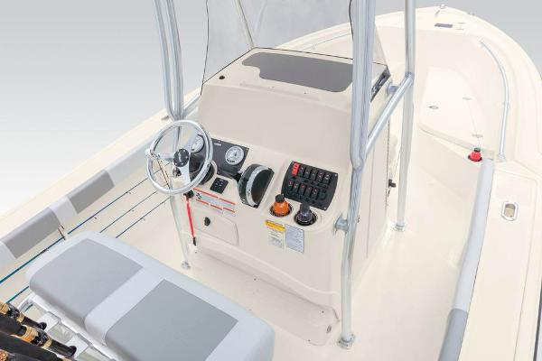 2020 Mako boat for sale, model of the boat is 214 CC & Image # 29 of 64