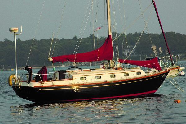 Cape Dory 330
