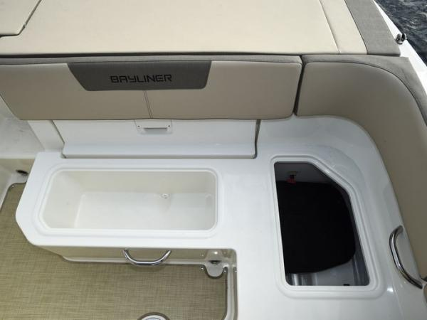 2020 Bayliner boat for sale, model of the boat is VR5 Cuddy & Image # 2 of 61