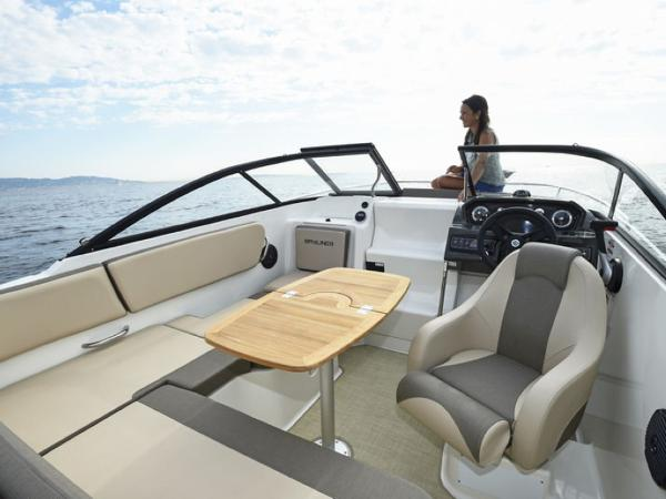 2020 Bayliner boat for sale, model of the boat is VR5 Cuddy & Image # 5 of 61