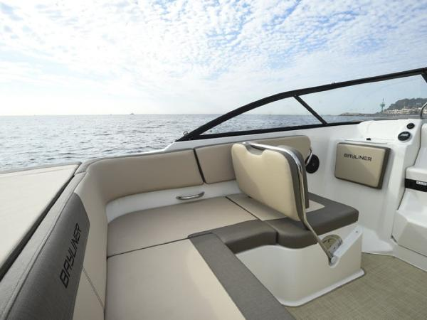 2020 Bayliner boat for sale, model of the boat is VR5 Cuddy & Image # 6 of 61