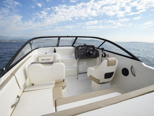 2020 Bayliner boat for sale, model of the boat is VR5 Cuddy & Image # 8 of 61