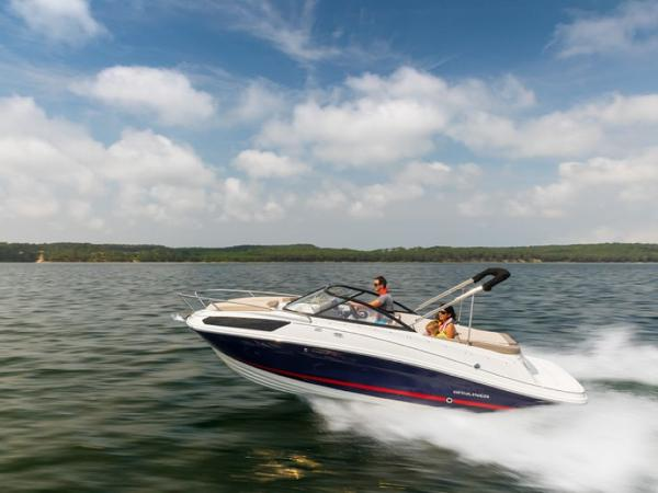 2020 Bayliner boat for sale, model of the boat is VR5 Cuddy & Image # 10 of 61