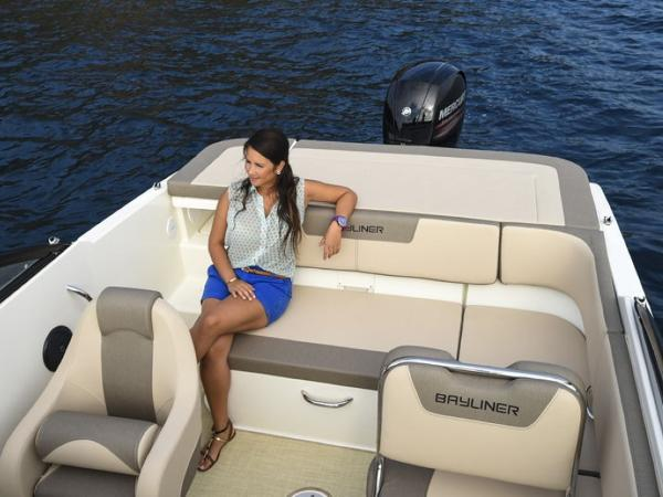2020 Bayliner boat for sale, model of the boat is VR5 Cuddy & Image # 11 of 61