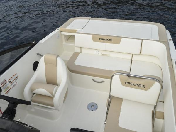 2020 Bayliner boat for sale, model of the boat is VR5 Cuddy & Image # 12 of 61