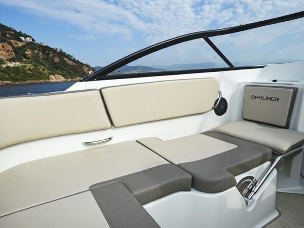 2020 Bayliner boat for sale, model of the boat is VR5 Cuddy & Image # 17 of 61