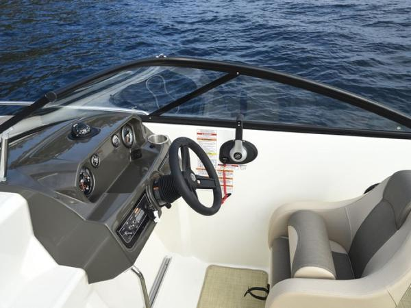 2020 Bayliner boat for sale, model of the boat is VR5 Cuddy & Image # 21 of 61