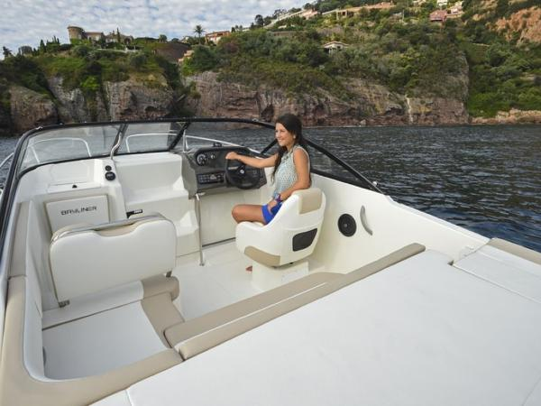 2020 Bayliner boat for sale, model of the boat is VR5 Cuddy & Image # 24 of 61