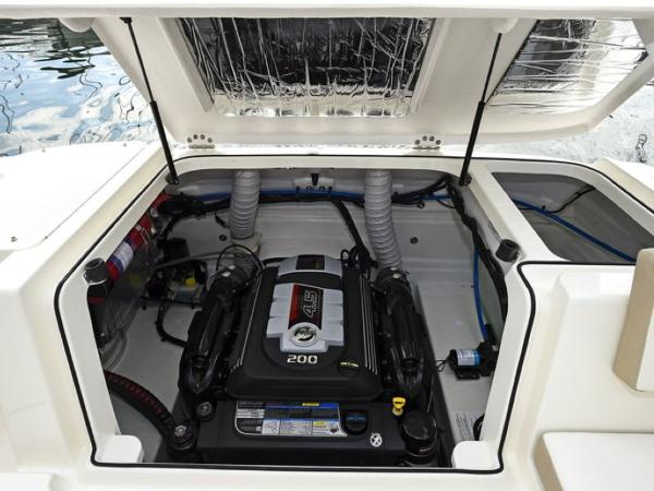 2020 Bayliner boat for sale, model of the boat is VR5 Cuddy & Image # 37 of 61