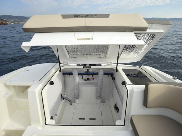2020 Bayliner boat for sale, model of the boat is VR5 Cuddy & Image # 40 of 61