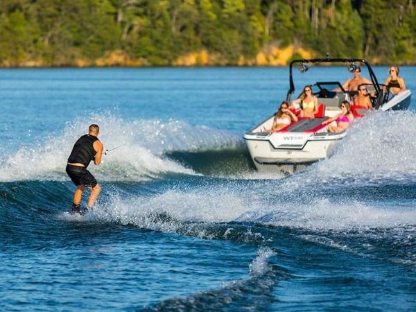 2020 Bayliner boat for sale, model of the boat is WT-Surf & Image # 11 of 19