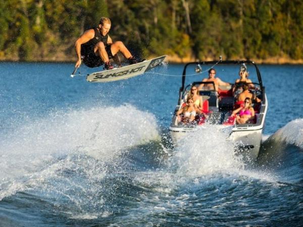 2020 Bayliner boat for sale, model of the boat is WT-Surf & Image # 12 of 19