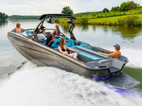 2020 Bayliner boat for sale, model of the boat is WT-Surf & Image # 13 of 19
