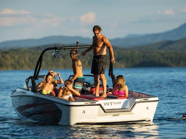 2020 Bayliner boat for sale, model of the boat is WT-Surf & Image # 18 of 19