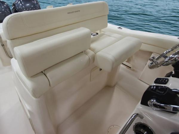 2020 Grady-White boat for sale, model of the boat is Canyon 271 & Image # 6 of 24