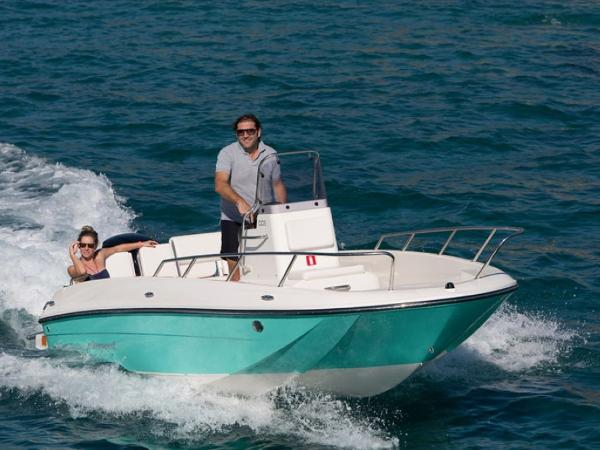 2020 Bayliner boat for sale, model of the boat is Element CC6 & Image # 1 of 19