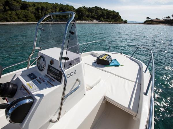 2020 Bayliner boat for sale, model of the boat is Element CC6 & Image # 4 of 19