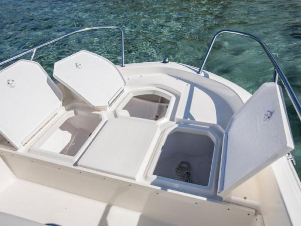 2020 Bayliner boat for sale, model of the boat is Element CC6 & Image # 11 of 19