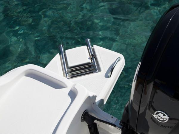 2020 Bayliner boat for sale, model of the boat is Element CC6 & Image # 18 of 19