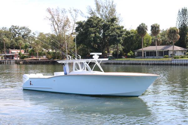 2016 39' Custom Carolina Robin Smith 39 w/ Seakeeper