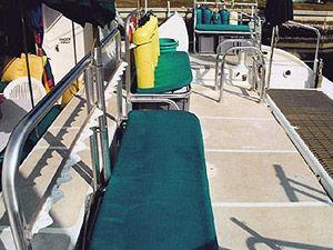 Aft Cockpit W/Lowering Dive Platform