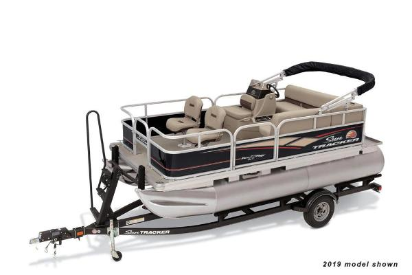 2020 Sun Tracker boat for sale, model of the boat is Bass Buggy 16 DLX ET & Image # 1 of 9