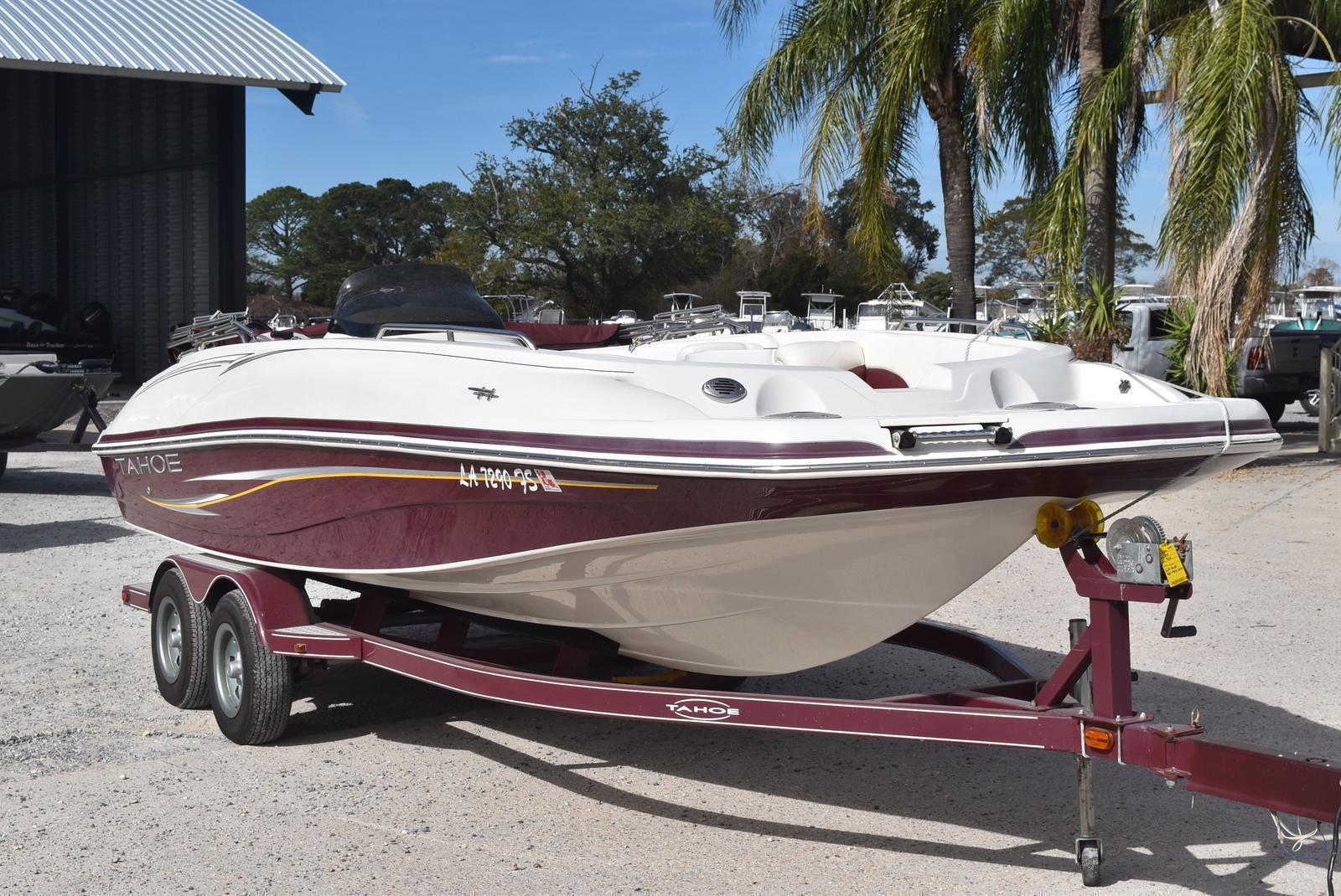 2008 Tahoe boat for sale, model of the boat is 215 & Image # 2 of 20