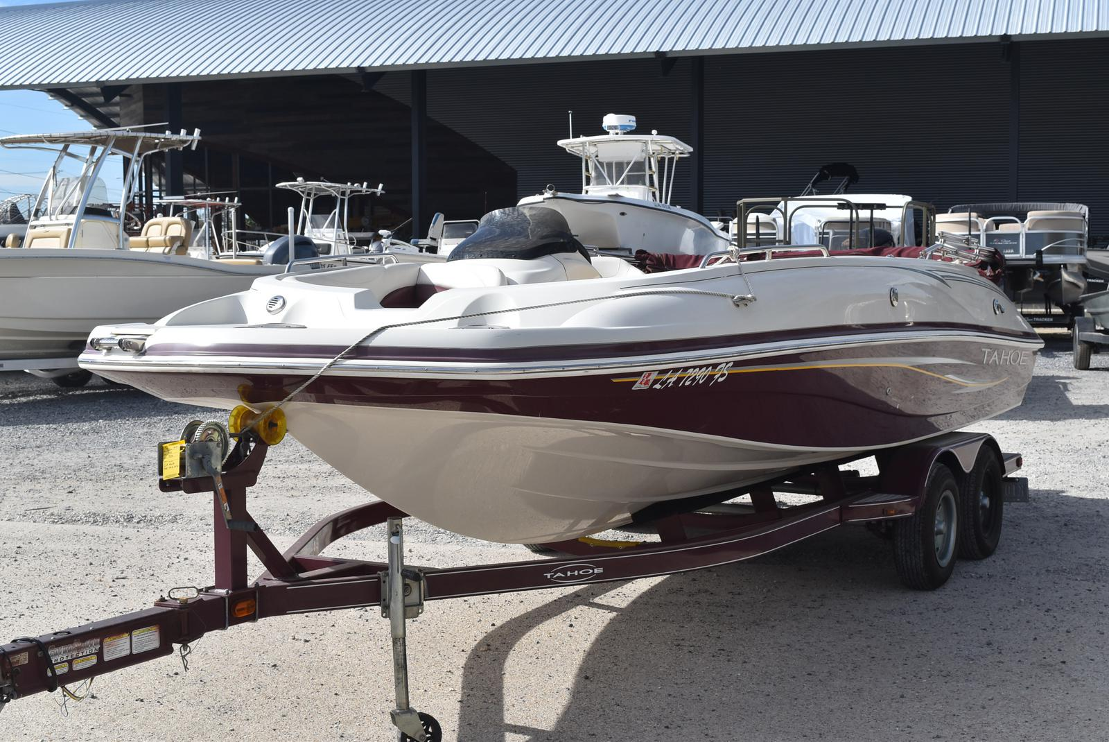 2008 Tahoe boat for sale, model of the boat is 215 & Image # 3 of 20