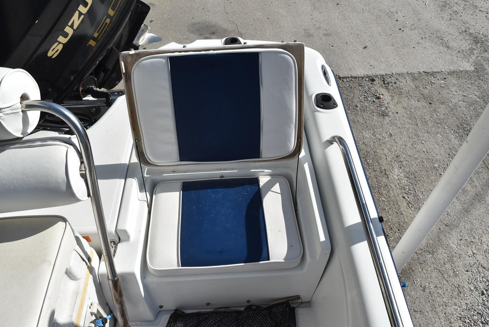 2003 Fish Master boat for sale, model of the boat is 19 & Image # 12 of 18