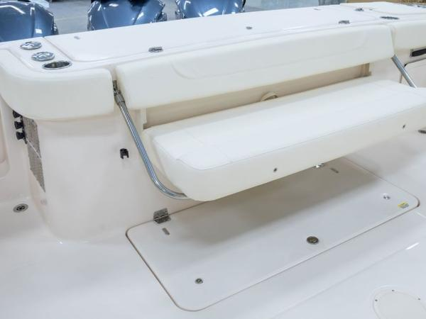 2020 Grady-White boat for sale, model of the boat is Canyon 376 & Image # 19 of 25