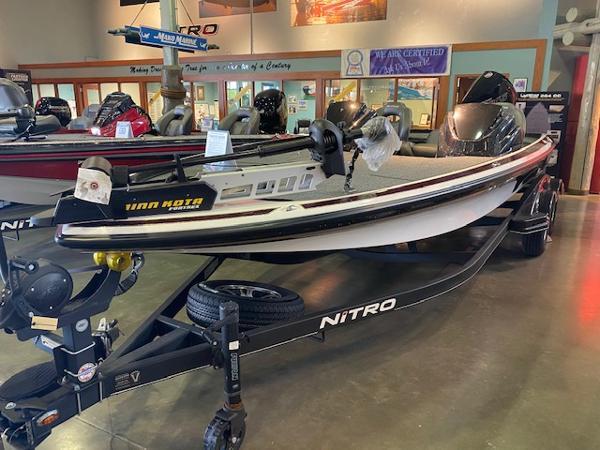 2019 Nitro boat for sale, model of the boat is Z21 & Image # 2 of 8