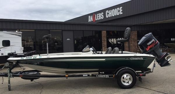 2001 CHAMPION 181 for sale