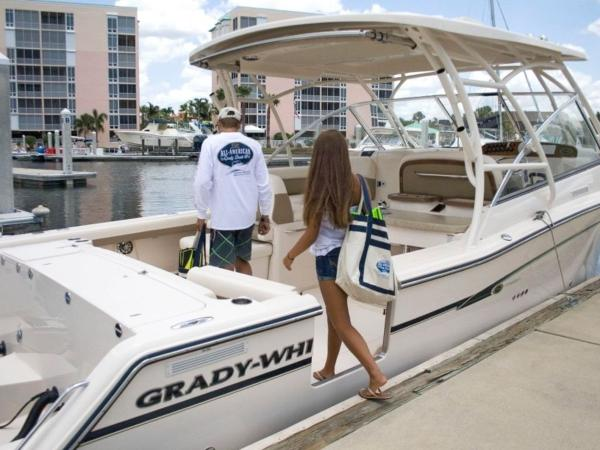 2020 Grady-White boat for sale, model of the boat is Freedom 335 & Image # 12 of 36