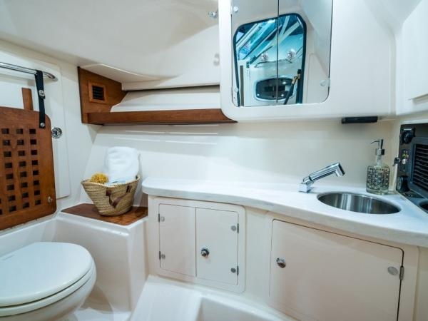 2020 Grady-White boat for sale, model of the boat is Freedom 335 & Image # 16 of 36