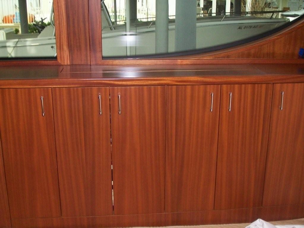 Salon TV Cabinet Closed