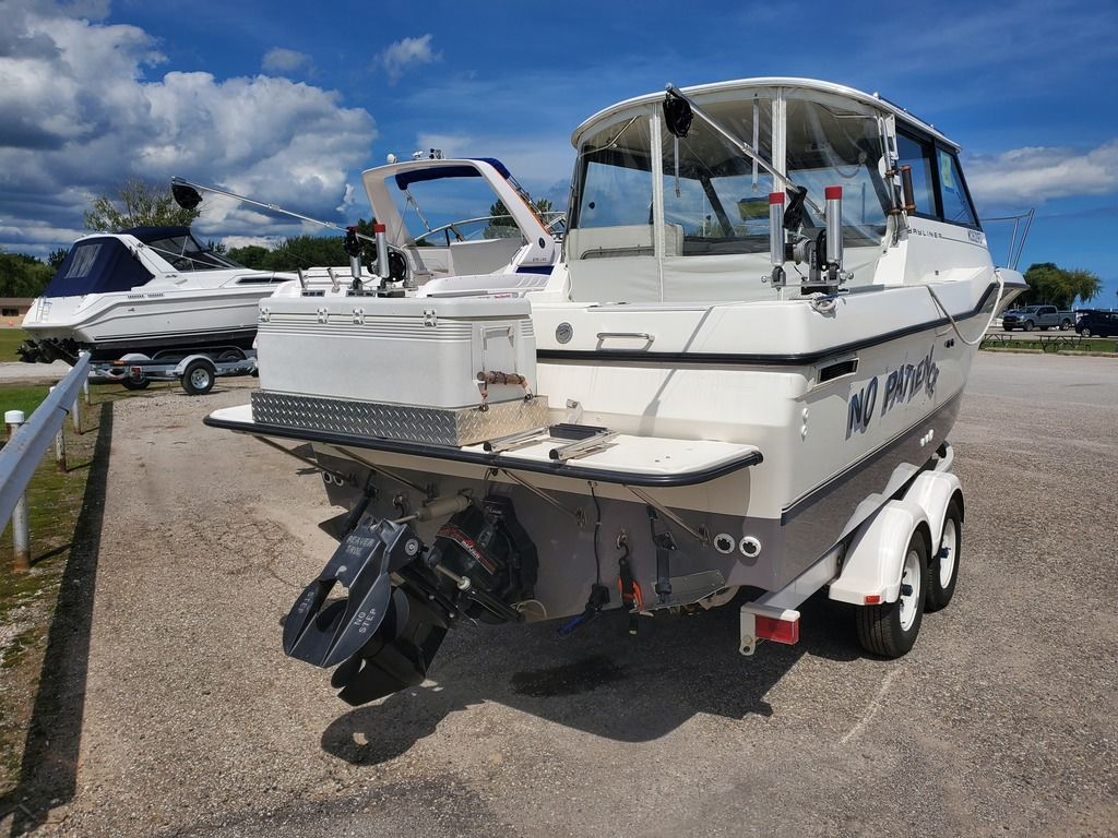 1995 Bayliner boat for sale, model of the boat is 2359 WA & Image # 2 of 26